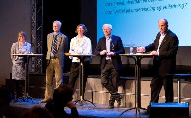 Historisk rektordebatt i aulaen