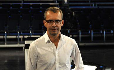 Skal lage show under NRK-debatten