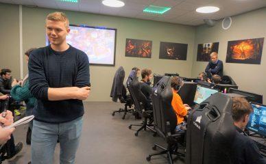NHHI E-sport vil trekke «skap-gamerne» ut av skapet
