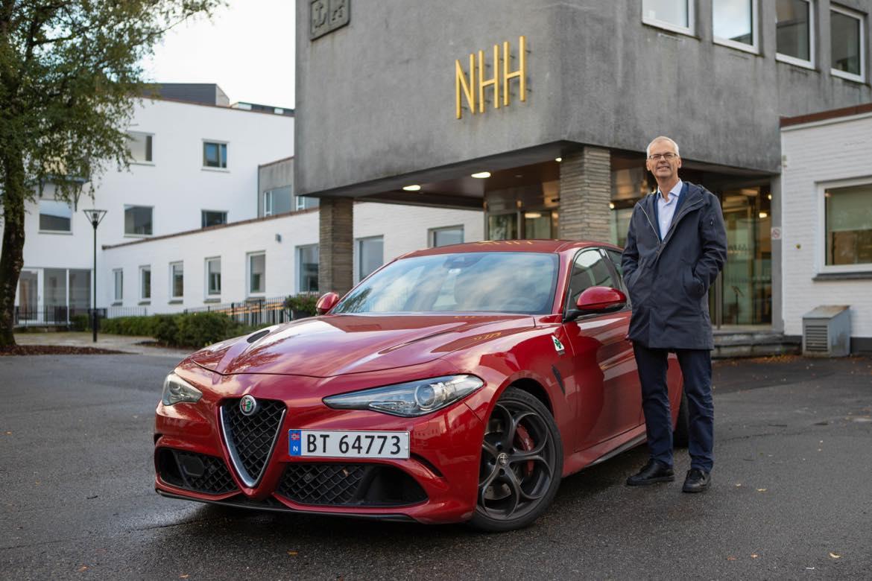 NHH-rektor Øystein Thøgersen om plassmangel, internasjonal konkurranse og bil